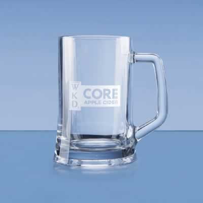 This elegant durable tankard can be engraved with any crest, logo or wording to create a unique gift. It is supplied in a blue flat pack gift box.